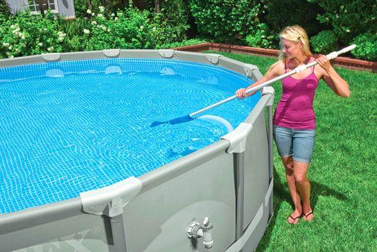 limpiar una piscina desmontable